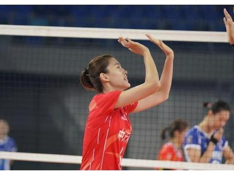 硬碰硬较量!江苏女排3-1胜上海队豪取3连胜,张常宁全面发威