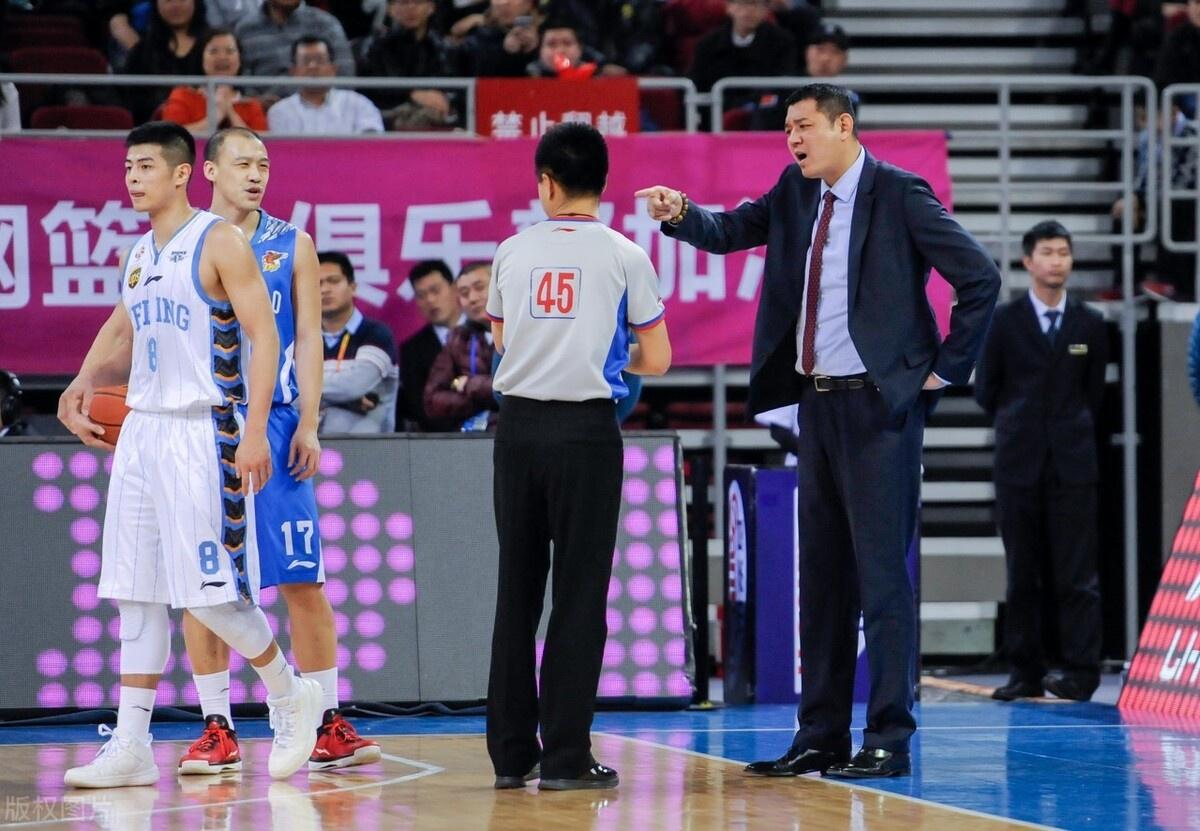山东男篮作为曾经的夺冠热门球队,近两个赛季的成绩并不理想