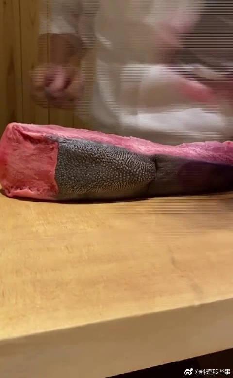 顶级牛舌都是弃其糟粕取其精华,看到厨师扔的边角料……