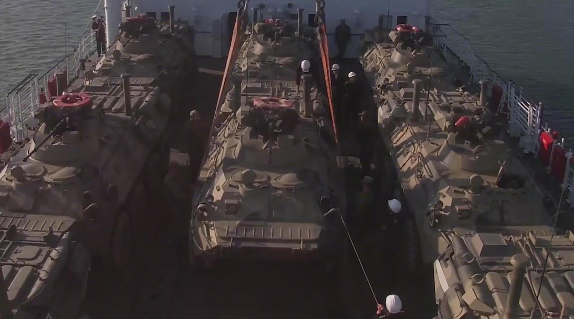 """俄里海舰队海军陆战队在""""高加索-2020""""战略演习期间……"""