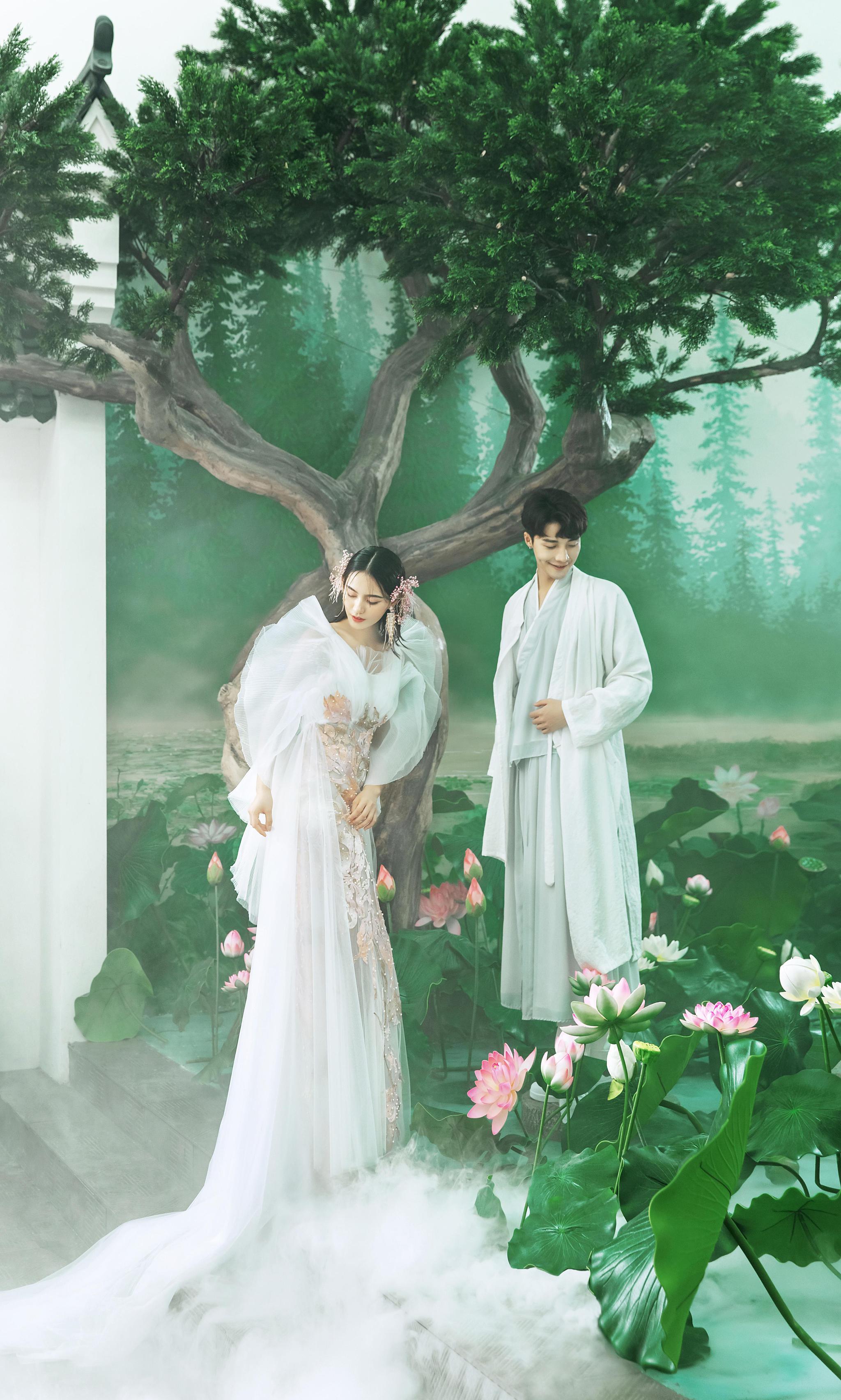 唯美时尚,上海旅拍婚纱照新潮流,来一组狐仙书生的浪漫婚纱照