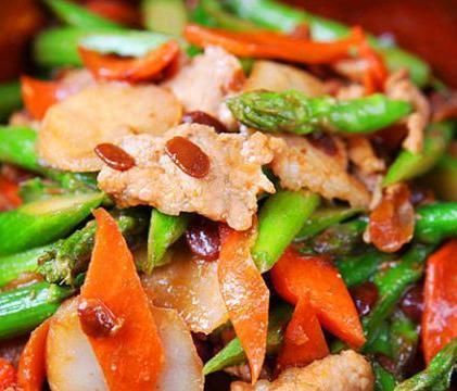 美食:酱爆肉片芦笋、酸菜土豆片、海米烧冬瓜、冬瓜水鸭汤