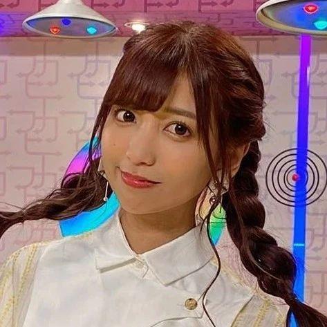 21岁日本富二代家道中落,为还800万巨债拍片吃蟑螂,引百万网友支持:活该她有钱啊!