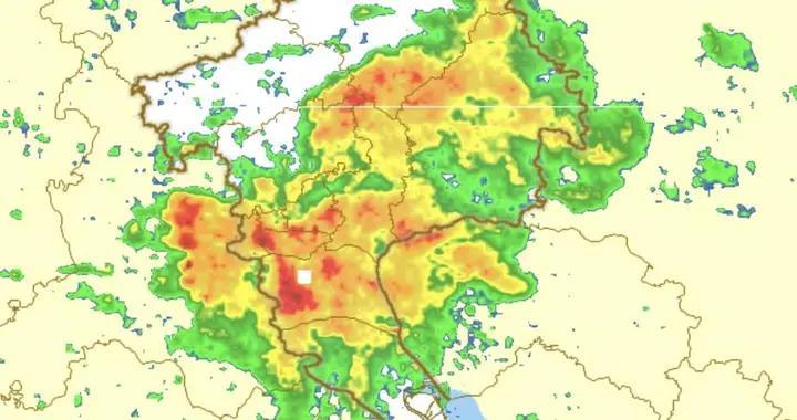 广州发强降水提示,未来3小时越秀天河降水持续、能见度差