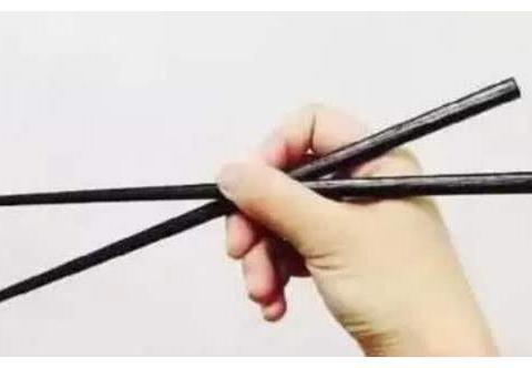 """这样""""拿筷子""""的人,今生注定不平凡,不是当官就是发财!"""