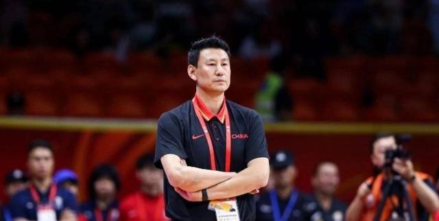 去年中国男篮在家门口的世界杯比赛打出了历史上最差的战绩