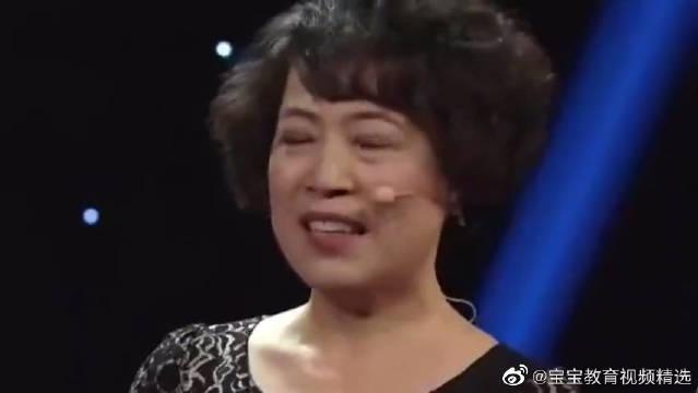 萌娃王恒屹上台表演,一张口竟逗得观众开口大笑,超级可爱