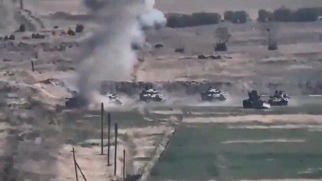 阿塞拜疆装甲集群遭到反坦克火力点名攻击……