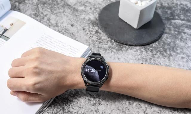 vivo Watch:智能手表中的战斗机,不输苹果手表!