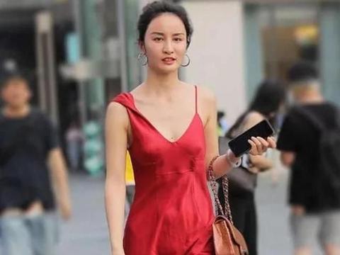 真丝红色长裙,夏季的看点