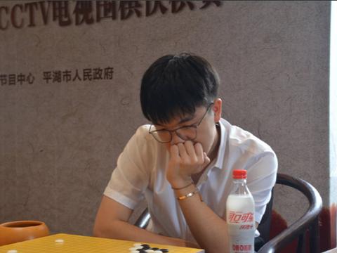围棋快棋赛4强出炉:世界冠军大战柯洁取胜 仅差1胜获亚洲杯资格