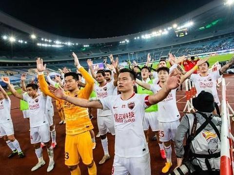 上海申花隔空vs深足,争夺最后一个晋级名额,压力笼罩崔康熙!