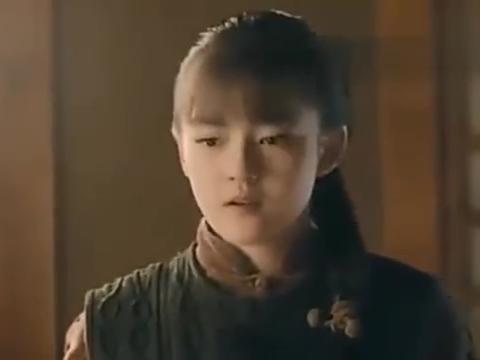 王俊凯偷喝稀饭,被文淇抓到,小凯以后绝对妻管严