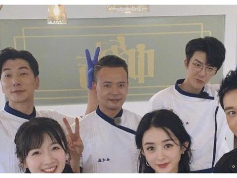 《中餐厅》规矩有多大?刘宇宁喝可乐之前,对黄晓明说的话引热议