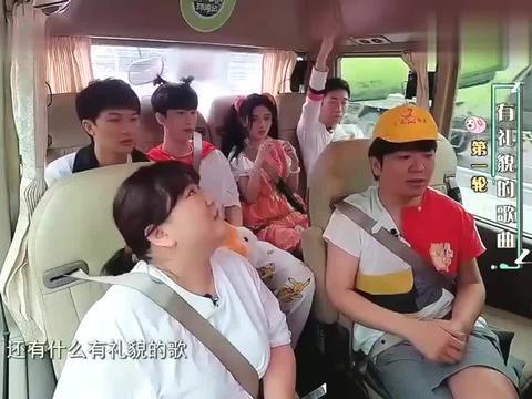 青春环游记:杨迪对总导演发怒了,甚至要请律师来调解,太可爱了