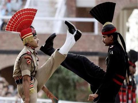 克什米尔叛军背后大佬浮出水面,清一色美式装备,连印度都不相信