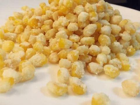 美食优选:酱香金针菇,红油鸭血,小炒木耳,金沙玉米的做法