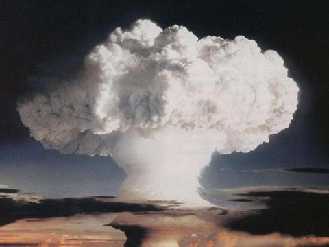 原理早已公布,初中生都懂,为啥绝大多数国家依然搞不出原子弹?