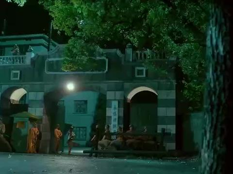 猛龙过江:聂龙带同伙夜探鬼子军火库,岂料同伙就没打算活着回去