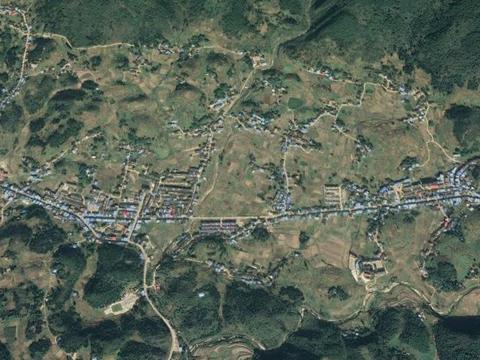 重庆云阳县一个镇,地处山间盆地,有米粮仓之称,不是农坝镇