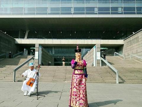 """乌兰牧骑""""快闪""""在国家图书馆讲述""""内蒙古文化""""「图集」"""