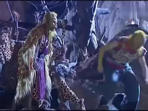 西游记:豹精逃回洞中,大圣只好潜入救人,这是他的一贯作风