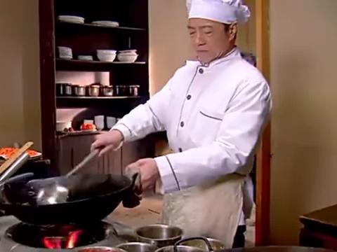 饭店每天限量供应80碗汤圆,馅料配方保密,厨师一语道破缘由