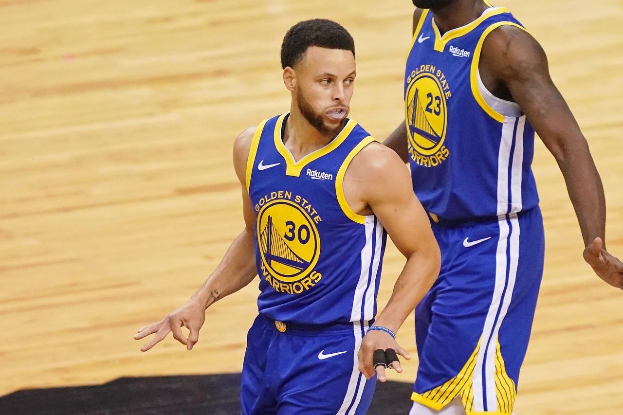 NBA是世界上篮球水平最高的职业联赛,在这里拥有最优秀的职业篮球运动员