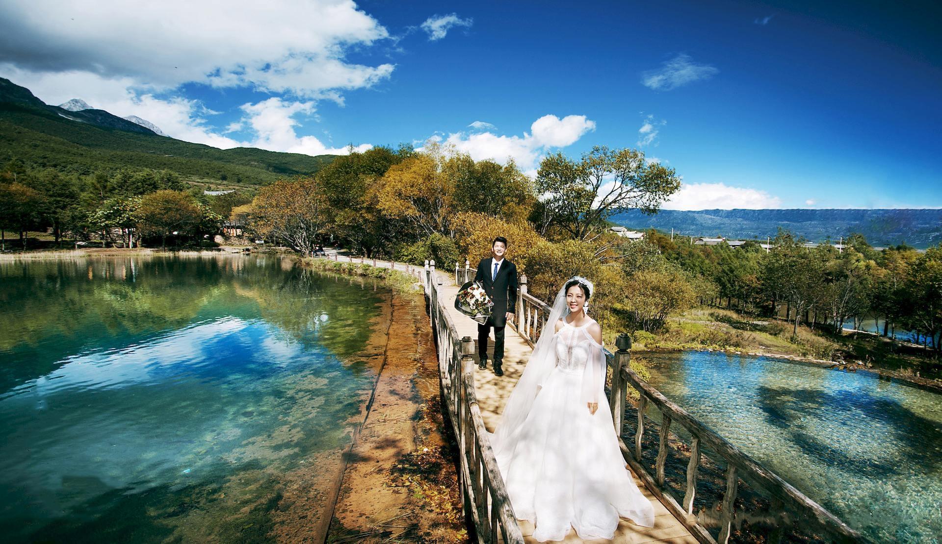 纠结丽江旅拍哪个好?看十月丽江婚纱摄影十大排名第一名花落谁家