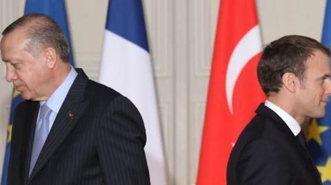 北约内部大打口水战!法国与土耳其爆发冲突,土防长痛骂马克龙