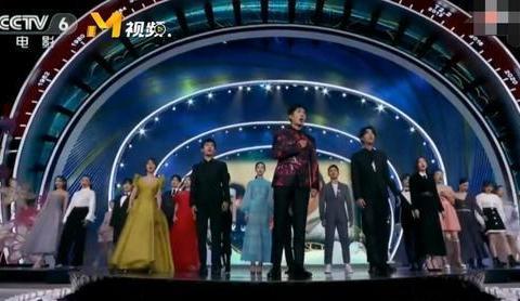 百花奖演员合照:刘昊然C位,杨紫抢镜,孟美岐占了籍贯的便宜
