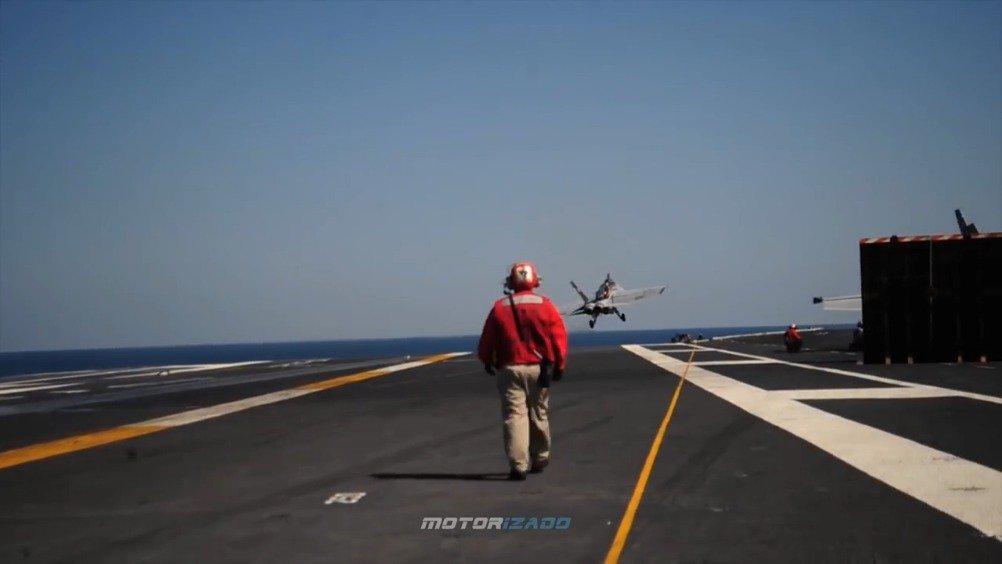 美海军卡尔文森号航母与F35C舰载机合练