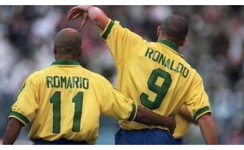 萨基选梦之队:罗纳尔多与罗马里奥组成双前锋,门将是大舒梅切尔