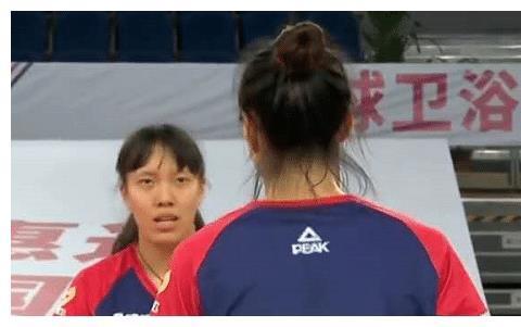 全锦赛B组第三轮,辽宁女排3-0轻取四川女排,积5分晋级在望