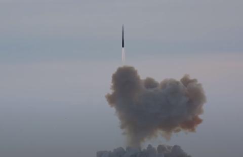 """俄""""先锋""""高超音速导弹有多强?飞行过程中能达到2000度高温!"""