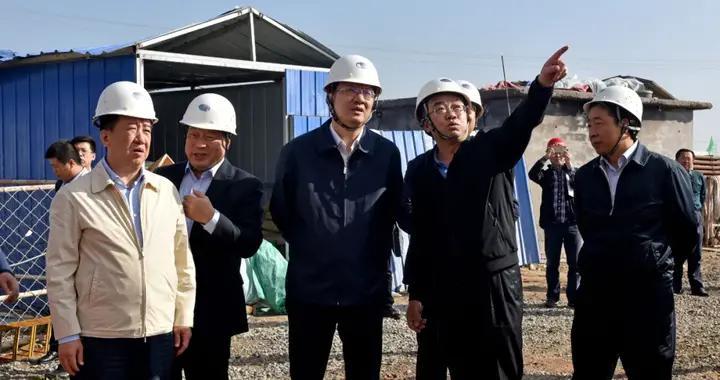 贺天才深入大同市天镇县干热岩地热资源勘查项目现场进行调研