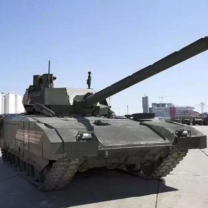 不再是阅兵场上的娇贵花瓶:俄军服役16辆新式阿玛塔坦克