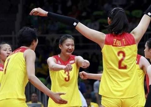 女排奥运冠军杨方旭近照,取快递略显落寞,25岁被迫退役太遗憾