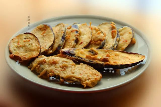 美食精选:香辣炸茄片、香辣豆干、红烧肉、排骨炖茄子