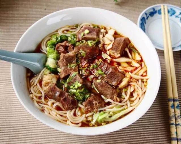 美食精选:鱼香鸡丁、农家有机花菜、牛肉米线、豆豉蒸菜鱼