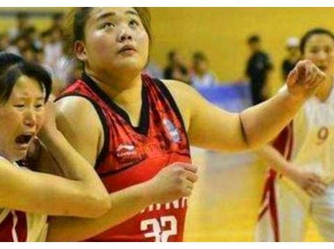 中国女篮迎2米11内线新星,曾单场狂砍45分,或将成赛场大杀器