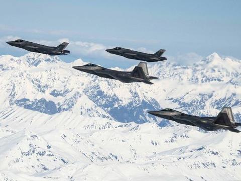 在北极压制俄罗斯!美空军在阿拉斯加将部署150架隐身战机