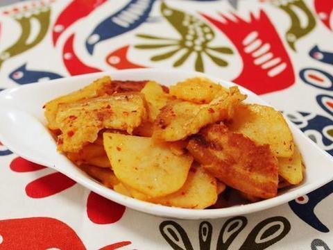 美食精选:酸豆角炒肉末、辣白菜炒五花肉、红烧肉圆、荸荠丸子