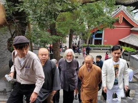 张纪中与河南嵩山少林寺方丈会面,为拍摄新版《少林寺》做准备?