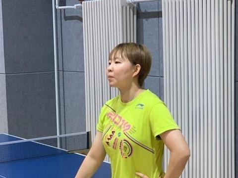 拒学丁宁刘诗雯!国乒25岁世界冠军迎难而上,去年输陈梦不甘心