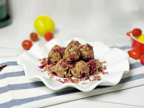 紫薯和燕麦给孩子做的小零食,外皮酥脆,内里绵软,太美味了