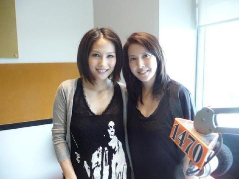 她和吴镇宇恋爱8年之久,却嫁入豪门生双胞胎,现50岁还像少女!