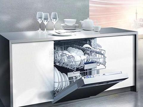 中式炒锅、油烟机滤网都能清洗,这台洗碗机确实适合中式家庭