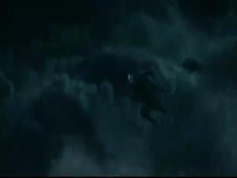 哈利·波特:哈利遭到伏地魔伏击,毁掉伏地魔的魔杖,成功逃脱