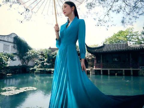 韩雪为苏州园林拍大片,古装旗袍全上阵,尽显东方女人的古典美